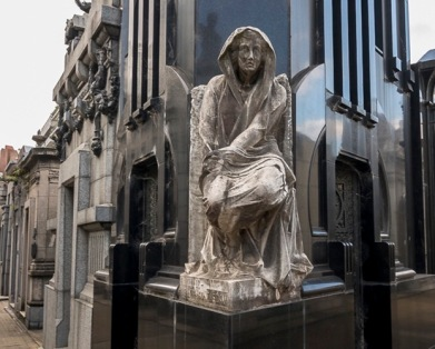 Statue in La Recoleta cemetery