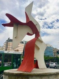 statue-red-modern
